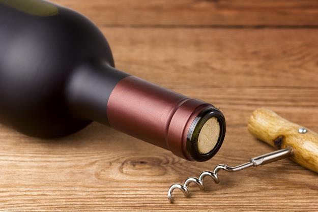 Polacy wypijają ponad 400 mln litrów wina rocznie /©123RF/PICSEL