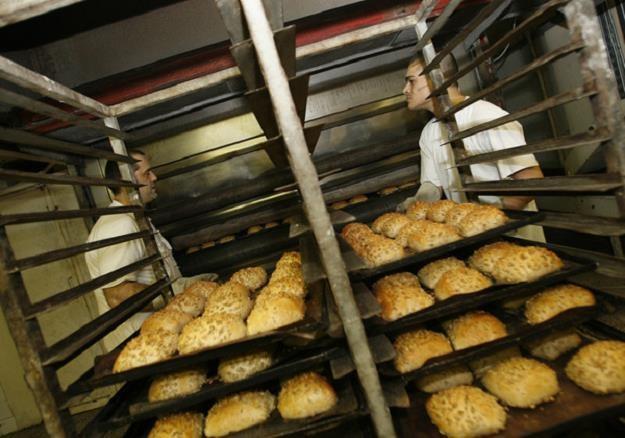 Polacy wyrzucają 9 mln ton żywności /AFP