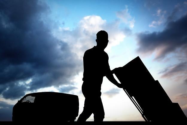 Polacy wysyłają coraz więcej paczek do krewnych za granicą /©123RF/PICSEL
