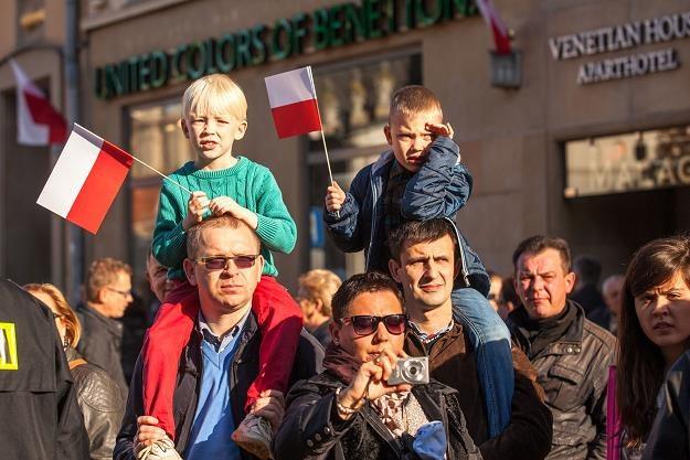 Polacy zarabiają coraz więcej - GUS /©123RF/PICSEL