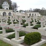 Polacy zatrzymani na Ukrainie. Próbowali odpalić race na Cmentarzu Orląt