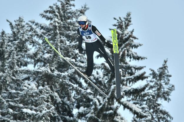 Polak Andrzej Stękała podczas serii próbnej przed zawodami Pucharu Świata w skokach narciarskich w Zakopanem /Andrzej Lange /PAP
