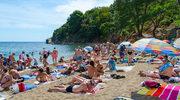 Polak na wakacjach najchętniej leży plackiem na plaży