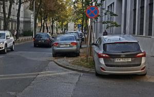 "Polak parkuje gdzie chce. Bo ""musi"""
