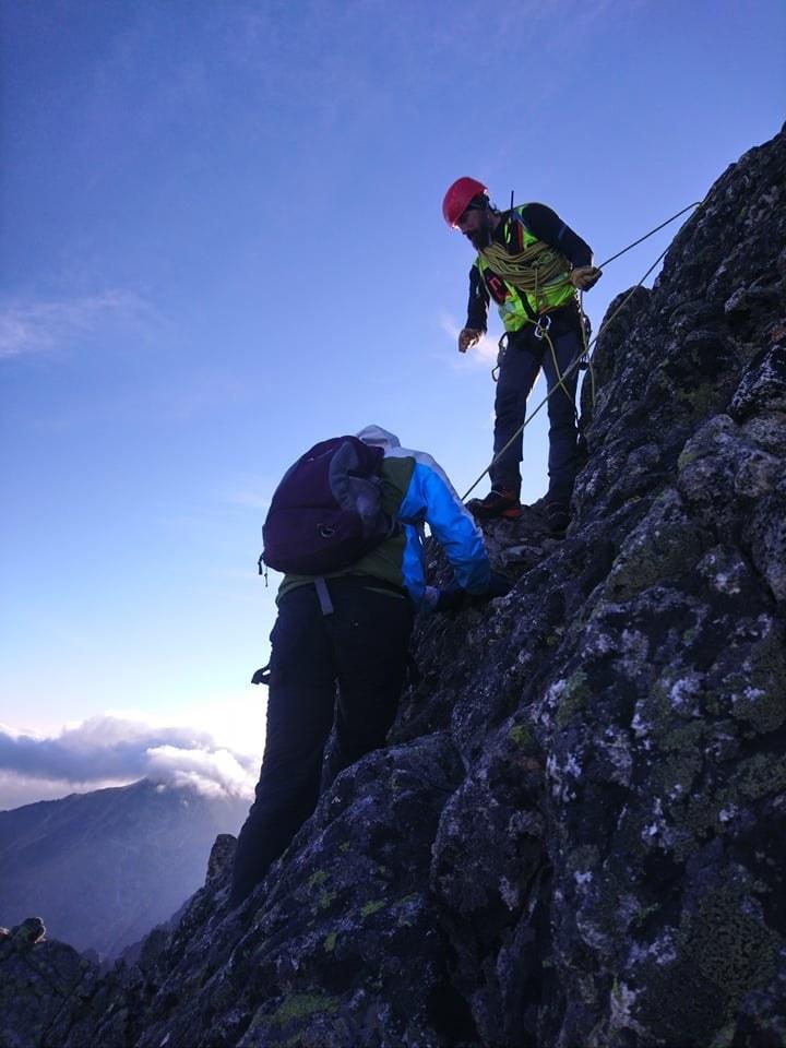 Polak utknął na szczycie w Tatrach Wysokich, gdy spadły mu raki /Horska Zachranna Sluzba /