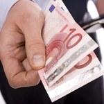 Polak wiózł w walizkach prawie milion euro