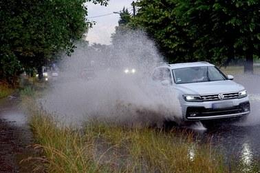 Połamane drzewa, zalane ulice. 400 interwencji strażaków po burzach w Śląskiem
