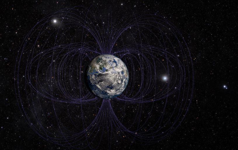 Pole magnetyczne Ziemi ulega ciągłym przeobrażeniom /123RF/PICSEL