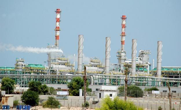 Pole naftowe w Libii /AFP