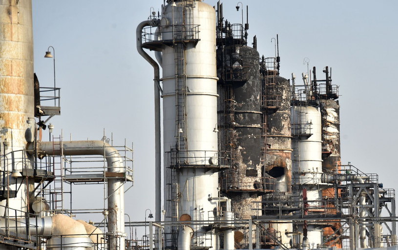 Pole naftowe, zdj. ilustracyjne /FAYEZ NURELDINE/AFP /East News