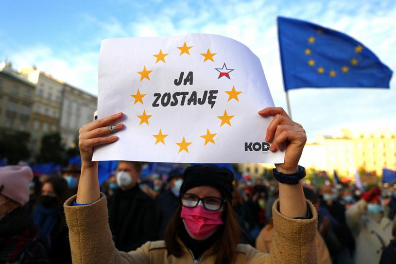 Polexit - mit czy realne zagrożenie? Protest przeciw ostatnim werdyktom TK (Kraków) /Beata Zawrzel /Reporter