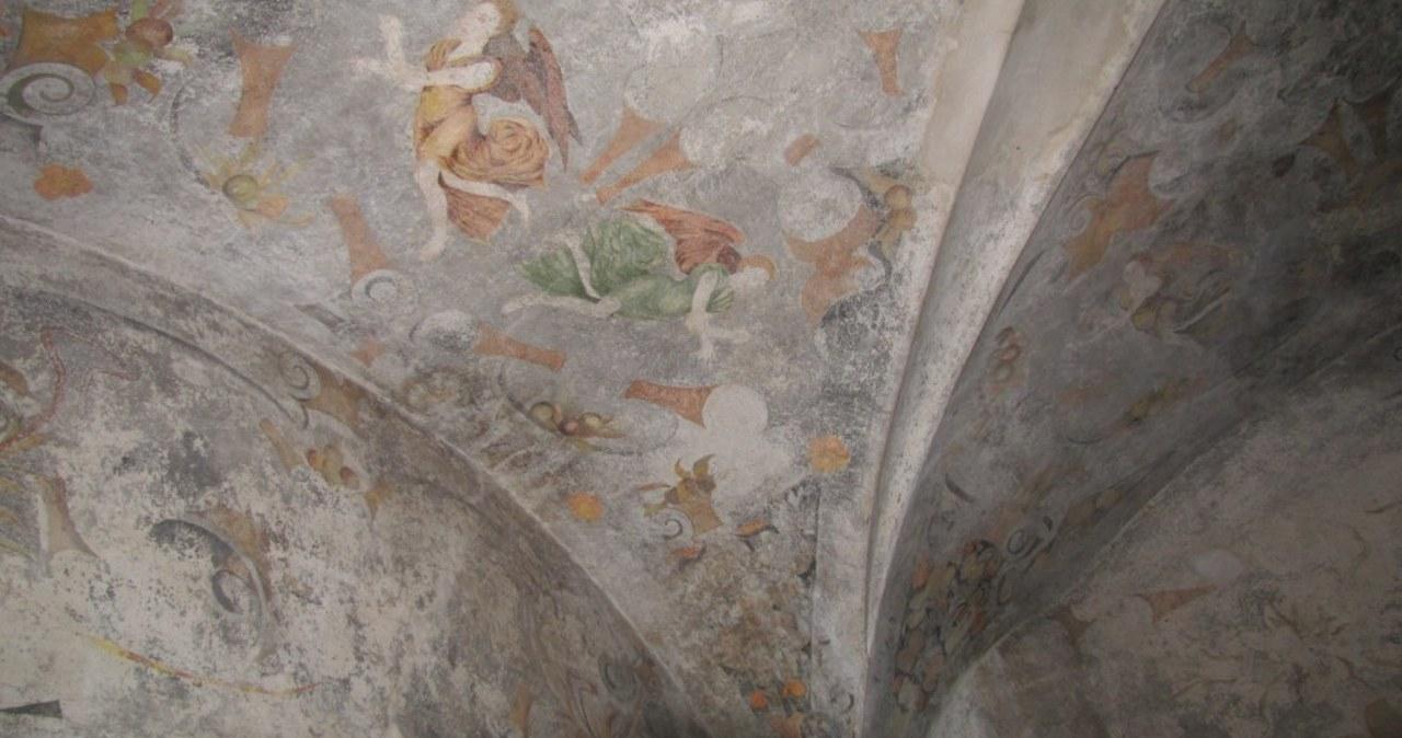 Polichromie z XVI wieku odsłonięte w wieży więziennej