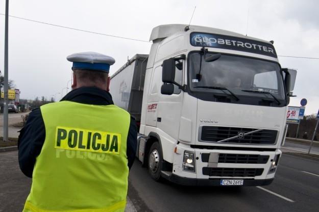 Policja i ITD przeprowadziły masowe kontrole / Fot: Tymon Makowski /East News