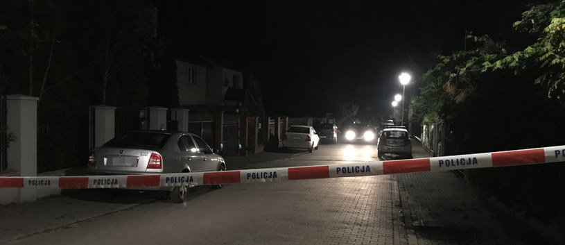 Policja i prokuratura przez wiele godzin pracowała na miejscu zbrodni /Mariusz PIekarski /RMF FM
