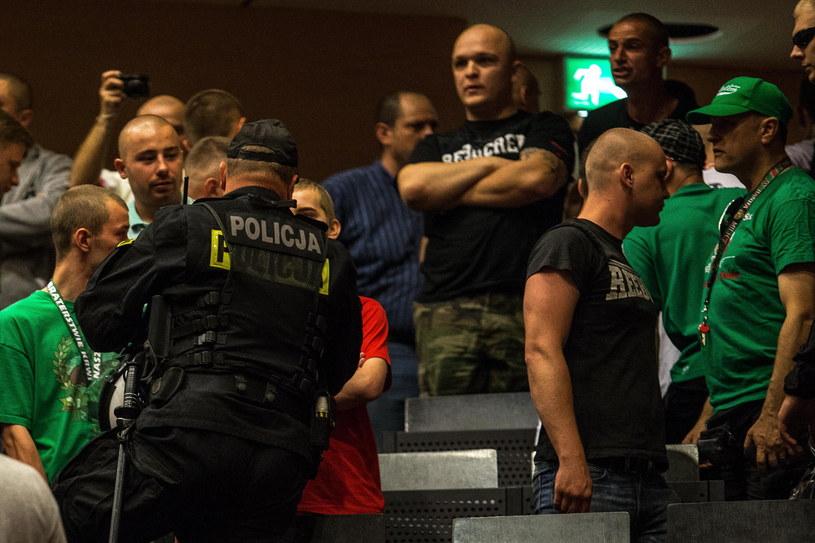 Policja interweniuje na wykladzie prof. Baumana /Maciej Kulczyński /PAP