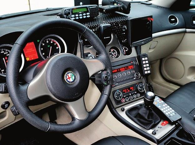 Policja korzysta z wideorejestratorów połączonych z radarem Iskra, mimo że przepisy nie pozwalają na taki tandem. /Motor
