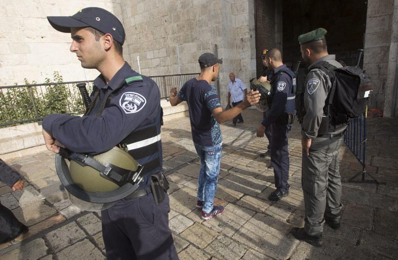 Policja może blokować arabskie dzielnice Jerozolimy /PAP/EPA