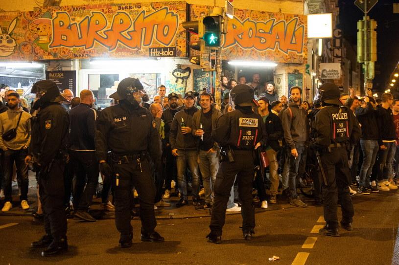 Policja musiała uspokajać fanów Werderu /AFP