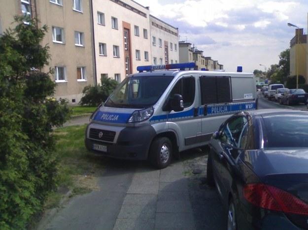 Policja na chodniku