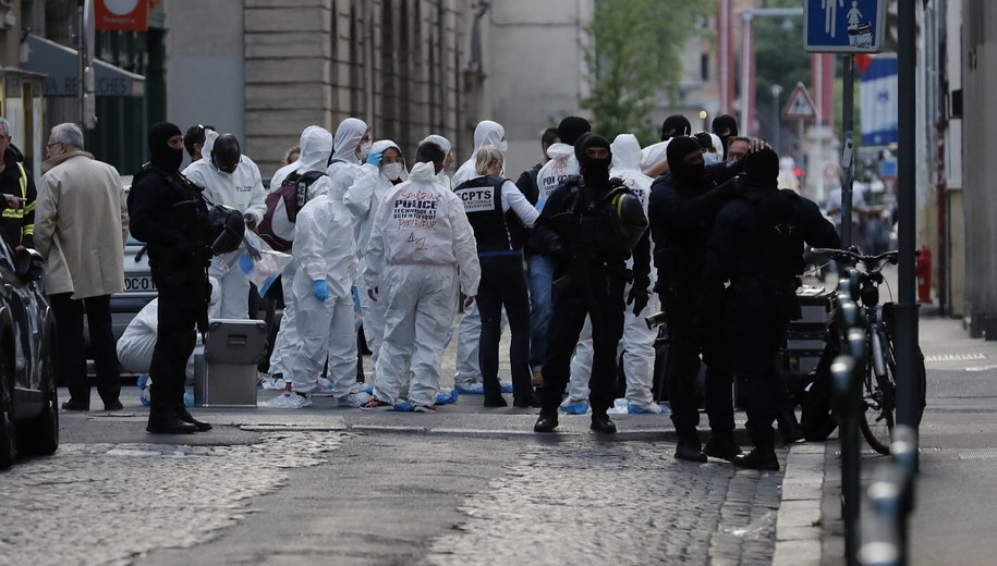 Policja na miejscu eksplozji. /ALEX MARTIN /PAP/EPA