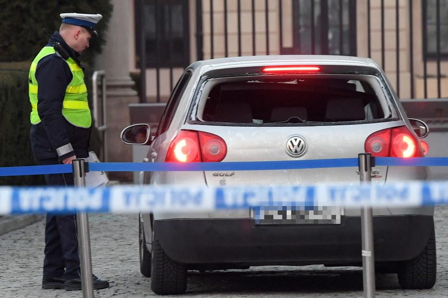 Policja na miejscu incydentu. /Radek Pietruszka /PAP