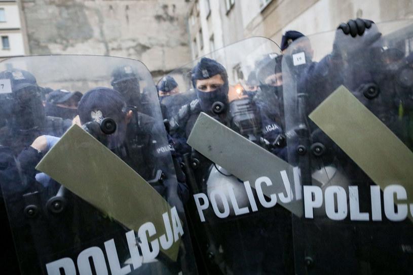 Policja na miejscu protestu w Warszawie /fot. Andrzej Iwanczuk/REPORTER /Reporter