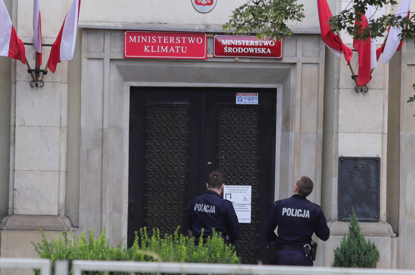 Policja na miejscu protestu /Piotr Molecki/East News /East News