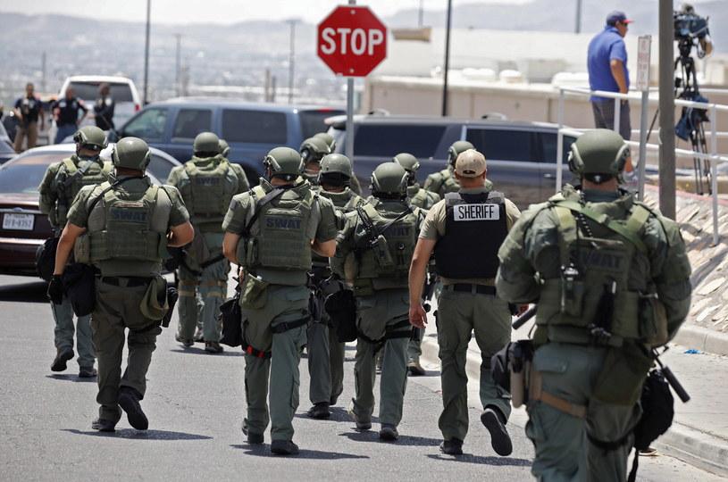 Policja na miejscu zdarzenia /IVAN PIERRE AGUIRRE /PAP/EPA