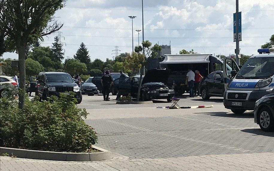 Policja na parkingu przed M1 /Archiwum RMF FM