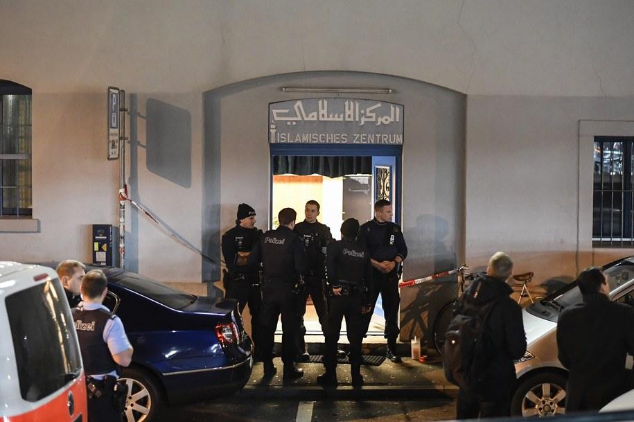Policja otoczyła miejsce, w którym doszło do strzelaniny /PAP/EPA/ENNIO LEANZA  /PAP/EPA