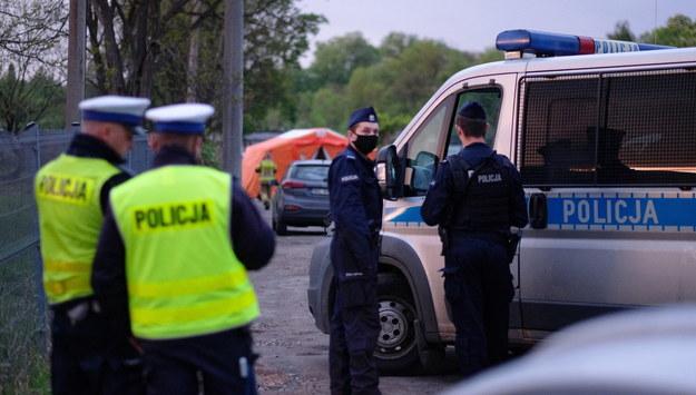 Policja podczas czynności /Andrzej Grygiel /PAP
