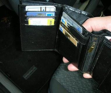 Policja: pokaż portfel!