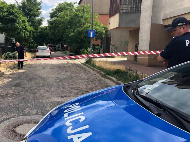 Policja pracuje na miejscu zbrodni /Krzysztof Berenda /RMF FM