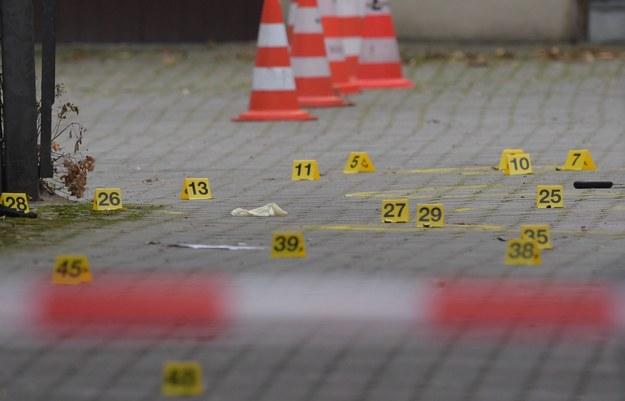 Policja pracuje na miejscu zdarzenia /Clemens Bilan /PAP/EPA