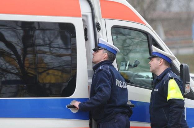 Policja pracuje na miejscu. Zorganizowano objazd /Marcin Bielecki /PAP