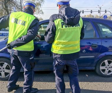 Policja próbuje bezprawnie karać kierowców za dbanie o bezpieczeństwo