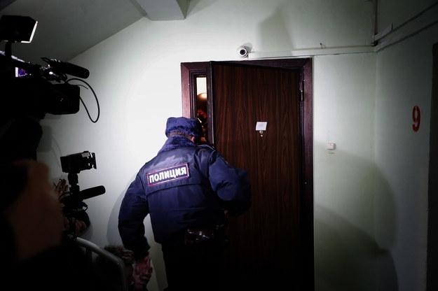 Policja przeszukała mieszkanie Aleksieja Nawalnego /Sergei Ilnitsky /PAP/EPA