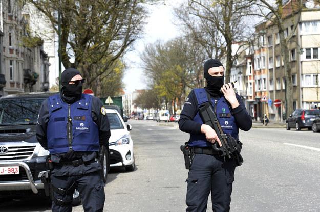 Policja przeszukała osiem domów w Antwerpii /AFP