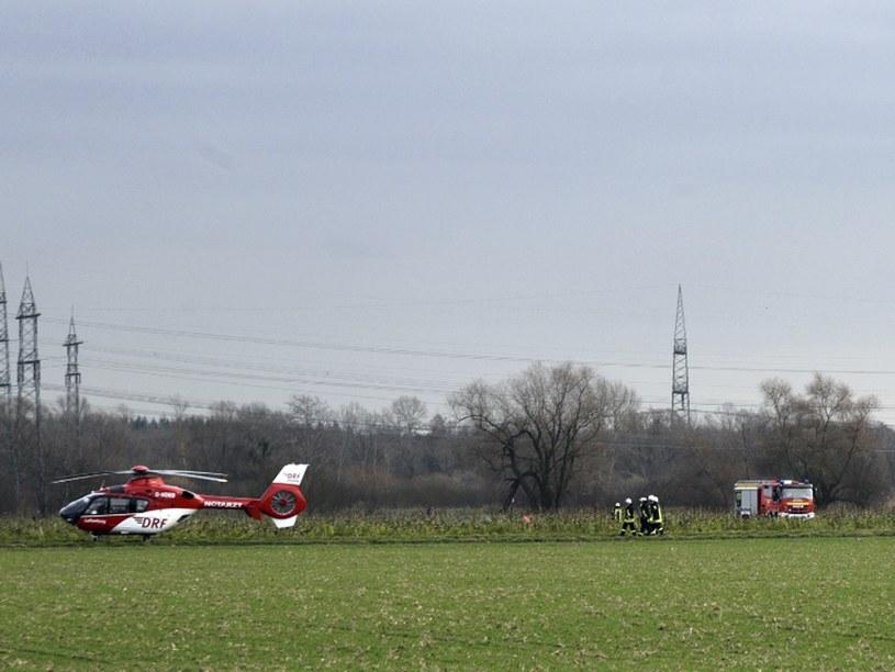 Policja przeszukuje okolice po wypadku koło Philippsburga /DPA /East News