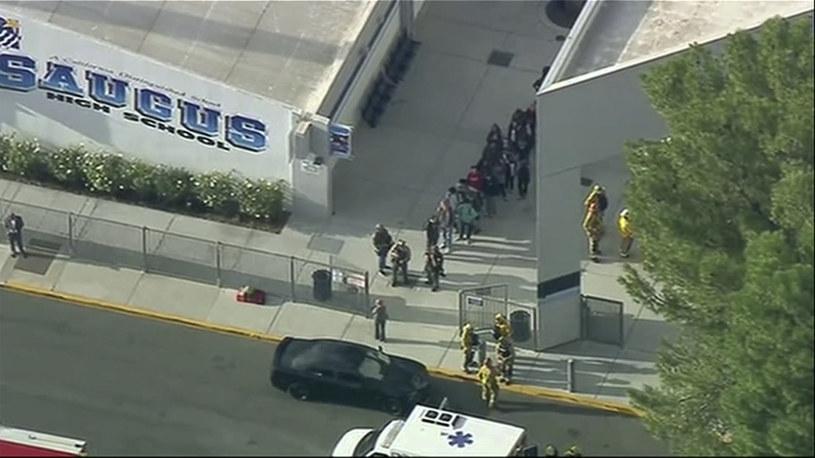 Policja przez kilka godzin poszukiwała nastolatka, który podejrzany jest o atak /KTTV-TV/Associated Press/ /East News