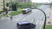Policja publikuje nagranie z karambolu w Krakowie