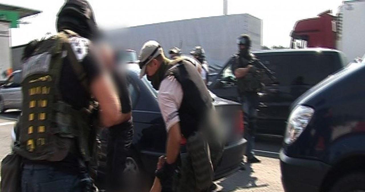 Policja rozbiła grupę międzynarodowych złodziei aut