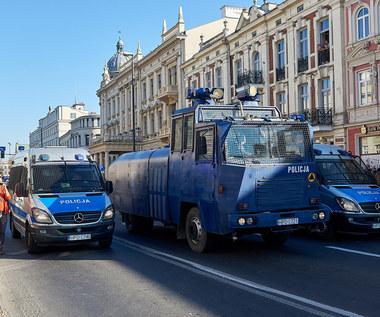 Policja się zbroi. Kupuje armatki wodne i radiowozy bojowe!