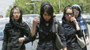 Policja sprawdza stroje kobiet
