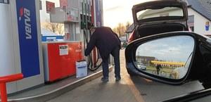 Policja sprawdzi, czy naprawdę musisz tankować samochód?