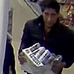 Policja szuka złodzieja! Internauci rozpoznali na nagraniu z kamery słynnego aktora!