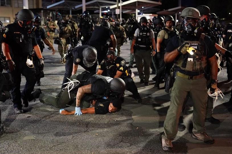 Policja tłumiła w sobotę protesty w Atlancie, jakie wybuchły po śmierci George'a Floyda /AFP