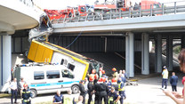 Policja ustala przyczyny tragicznego wypadku w Warszawie