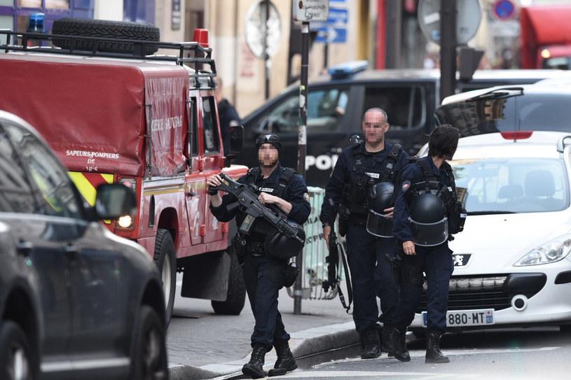 Policja uwolniła zakładników przetrzymywanych w centrum Paryża /Lucas Barioulet  /AFP