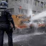 Policja użyła armatki wodnej na proteście przeciwko restrykcjom w Niemczech